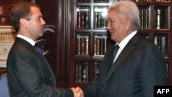 Дмитрий Медведев и Феликс Кулов