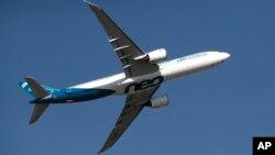 Kevin McAllister, director general de aviación comercial en Boeing, se disculpó con familiares de las víctimas de dos accidentes durante el Salón Internacional de la Aeronáutica y el Espacio de París el lunes 17 de junio de 2019.