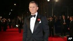 دانیل کرگ در مراسم اکران فیلم اسپکتر در بریتانیا