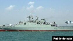 伊朗战舰在军演中