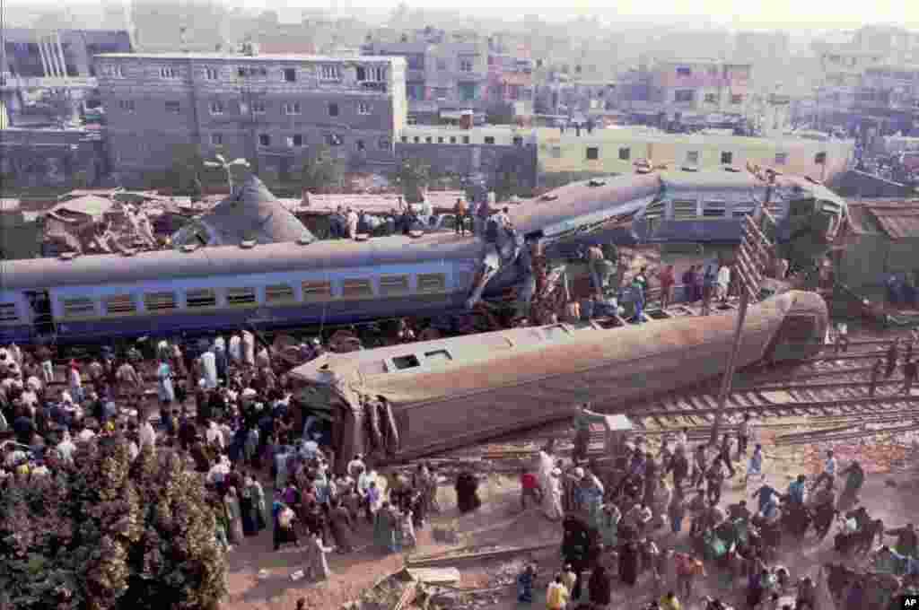 امروز در تاریخ: سال ۱۹۹۵ – تصادف یک قطر در قاهره. در این حادثه، حداقل ۷۵ نفر کشته و ۷۶ نفر دیگر زخمی شدند.
