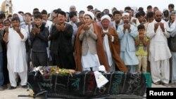 Sahrana jedne od žrtava jučerašnjeg samoubilačkog napada u Kabulu