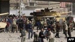 Egjipt: Gazetarët sulmohen nga përkrahësit e Presidentit Mubarak