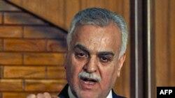 Віце-президент Іраку Тарік аль-Гашемі, якого звинувачують у тероризмі, виступає на прес-конференції в Багдаді