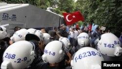 Polis şiddeti olaylarında artış göze çarpıyor