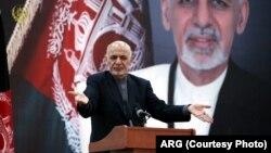رئیس جمهور غنی، از طالبان خواست که اختیار صلح را به کسی ندهند