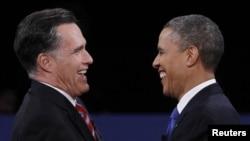 奧巴馬與羅姆尼在最後衝刺階段旗鼓相當