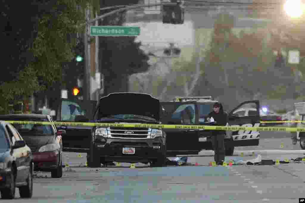 San Bernardino - Dekabrın 2-si 2015-ci il 14 nəfərin ölümünə yol açan San Bernardino hücumu