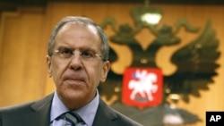 Ngoại trưởng Nga Sergei Lavrov nói Moscow sẽ không ủng hộ bất kỳ một sự can thiệp từ bên ngoài nào
