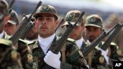 Солдаты армии Ирана.