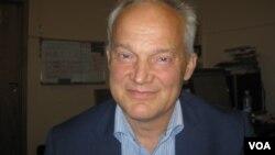 Проректор ЕУСПб Никита Ломагин