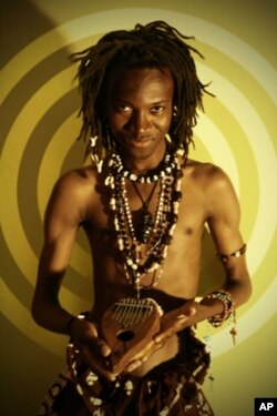Músico angolano Helder Mendes