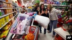 美國消費者信心增強。