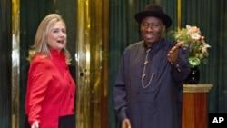 希拉里‧克林頓國務卿星期四與尼日利亞總統喬納森會面
