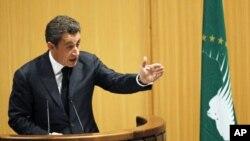 法国总统萨科齐在非盟峰会警告非洲国家尊重民众意愿