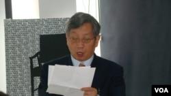 在纽约的中国政治评论家胡平(美国之音宋德成拍摄)