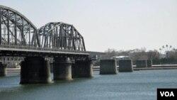 鸭绿江断桥(美国之音张楠拍摄)
