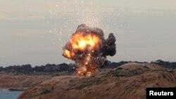 ARCHIVO- Un misil del sistema de defensa portátil MANPAD de EE.UU. es detonado al este de Trípoli, Líbano, el 11 de diciembre de 2011. Foto: Reuters.