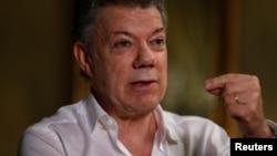 El presidente colombiano, Juan Manuel Santos, se disculpó ante sobrevivientes del Partido Unión Patriótica por los asesiantos de miembros de ese partido en la década de 1980.