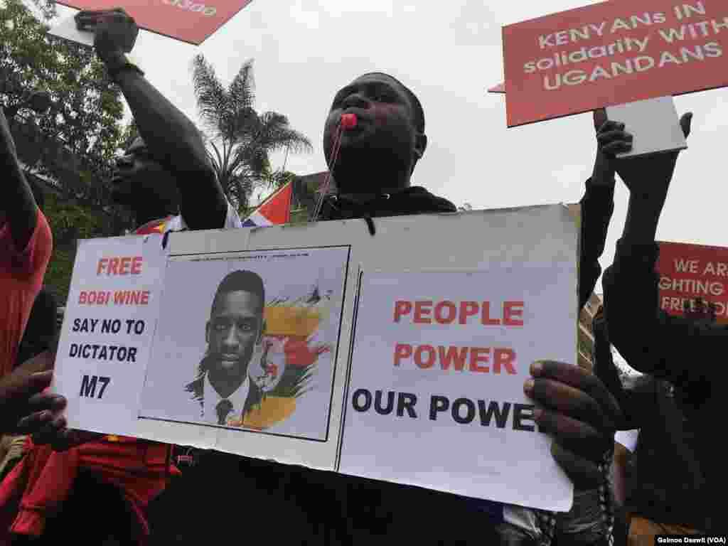 Wakenya wafanya maandamano ya kupinga kushikiliwa kwa Robert Kyagulanyi- Bobi Wine katika jela ya kijeshi nchini Uganda