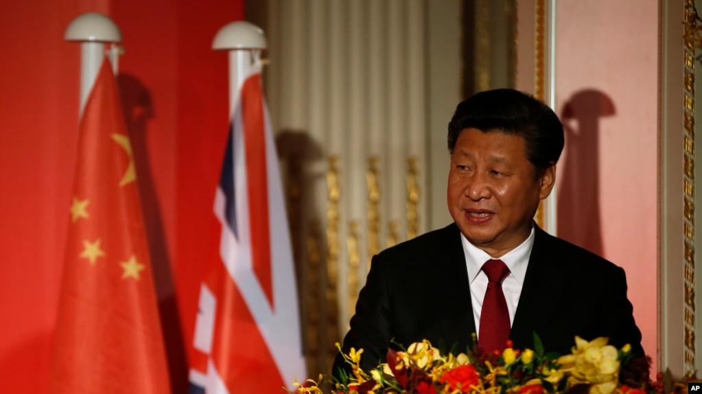 中國國家主席習近平在倫敦出席全英孔子學院和孔子課堂年會開幕式。 (2015年10月22日)