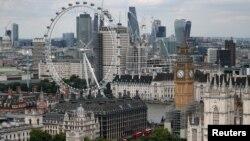 伦敦的伦敦眼、大本钟钟楼和金融区