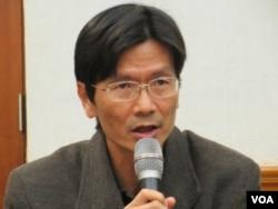 台湾守护民主平台协会会长徐伟群(美国之音张永泰拍摄)