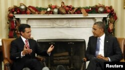 Presiden AS Barack Obama (kanan) menerima kunjungan Presiden terpilih Meksiko Enrique Pena Nieto di Gedung Putih, Selasa (27/11).