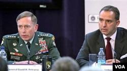 Tanto la OTAN como EE.UU. apoyan a Karzai para una posible reconciliación con los talibanes.