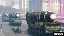 지난 2018년 2월 북한 평양에서 열린 인민군 창설 70주년 열병식에 이동식발사차량에 실린 장거리탄도미사일이 등장했다.