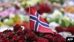Na Uy kỷ niệm ngày kết thúc 1 tháng vinh danh 77 nạn nhân bị thiệt mạng ngày 22/7 trong vụ đánh bom và bắn giết hàng loạt
