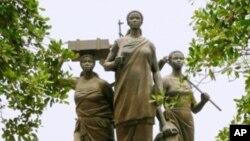 Monumento às heroínas de Angola, em Luanda