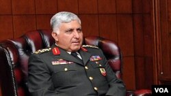 Jenderal Necdet Ozel, komandan polisi paramiliter Turki, ditunjuk menjadi Panglima Angkatan Bersenjata hari Sabtu (30/7).