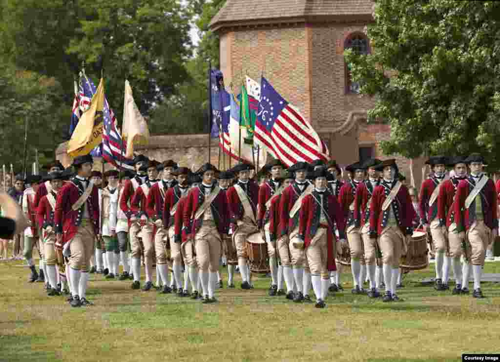 Pasukan Seruling dan Drum Colonial Williamsburg. (Foto: Yayasan Colonial Williamsburg)