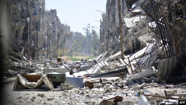 A general view shows destruction in Yarmouk Palestinian refugee camp in the Syrian capital Damascus, April 6, 2015.