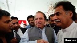 納瓦茲謝里夫(中)將成巴基斯坦新總理