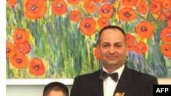 Almaniyada Azərbaycan Diasporunun Mərkəzi Şurasının prezidenti Tengiz Sade baron zu Romkerhalla müsahibə