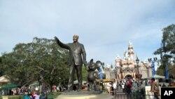 ສວນ Disneyland ທີ່ລັດກາລີຟໍເນຍ ສະຫະລັດ
