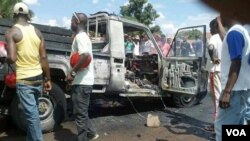 Carro da polícia incendiado