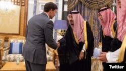 마크 에스퍼 미국 국방장관이 22일 사우디아라비아에서 살만 국왕과 만났다.