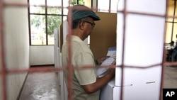 Một phòng phiếu ở Dili trong cuộc bầu tử tổng thống Ðông Timor, ngày 17 tháng 3, 2012