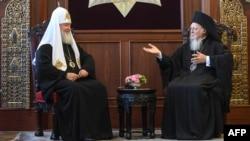 Патриарх Московский и всея Руси Кирилл и патриарх Константинопольский Варфоломей на встрече в Стамбуле, 31 августа 2018 года