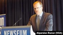 Девід Креймер, під час перебування на посаді президента Freedom House