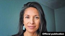 Jenni Monet fue arrestada mientras cubría las protestas contra el proyecto Dakota Access Pipeline en Dakota del Norte.