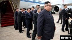 North Korean leader Kim Jong Un arrives in Singapore