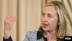 """Hillary Clinton también invitó a la comunidad internacional """"a condenar estos hechos""""."""
