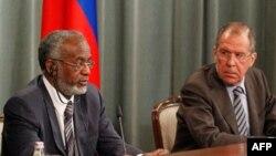 Слева направо: Али Карти, Сергей Лавров.