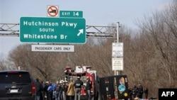 Власти допрашивают водителя автобуса, попавшего в аварию в Нью-Йорке