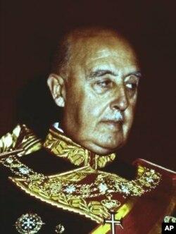Франсіско Франко - генералісимус