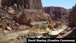 Le site d'Archei dans la région du massif de l'Ennedi, dans le nord-est du Tchad près du Soudan, le 31 octobre 2015. (CC/David Stanley)